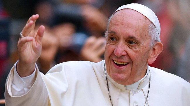Papa Francesco compie 84 anni, auguri di buon compleanno a Bergoglio